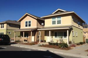 Hollyhock homes (Photo courtesy of Burbank Housing)